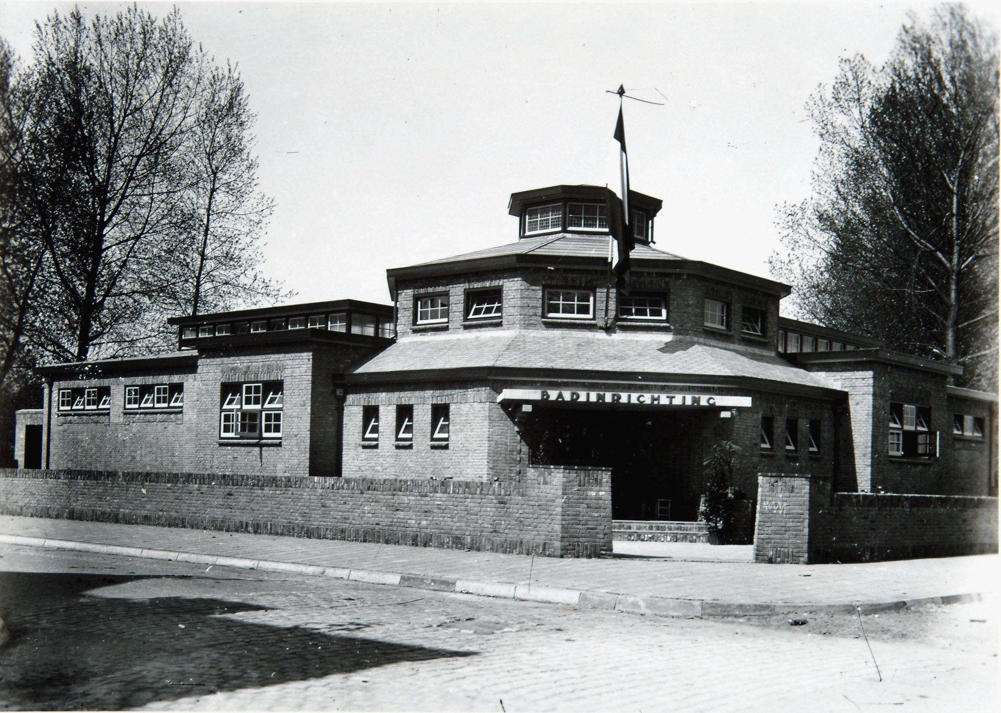 Volksbadhuis Bankastraat 1929 W. Meijers