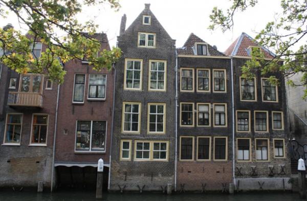 Voorstraathaven vanaf de Pottenkade